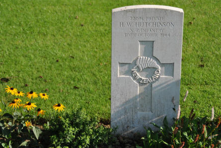 The World War II grave of Private H. W. Hutchinson from the New Zealand Infantry (killed on the 30th of October 1944) at Klagenfurt War Cemetery.