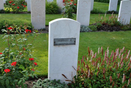 A French World War II grave at Klagenfurt War Cemetery.