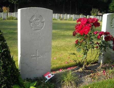 "The grave of ""An airman of the 1939-1945 war"" at the Adegem Canadian War Cemetery."