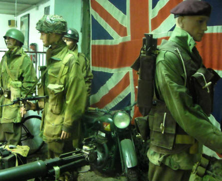 British World War II soldiers displayed in a full-size diorama at the Museum of the Battle of the Ardennes in La Roche-en-Ardenne.