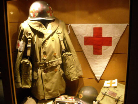 An American World War II medic uniform displayed at Baugnez 44 Historical Center in Malmedy.