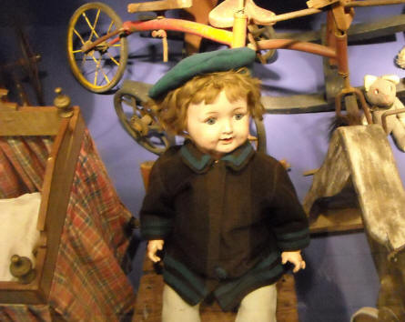 This old doll is a part of the historic toy exhibition at the Bornholm Museum.