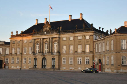 One of the four main buildings that are a part of the Amalienborg Royal Palace. This building is the winter residence for the Queen and her husband.