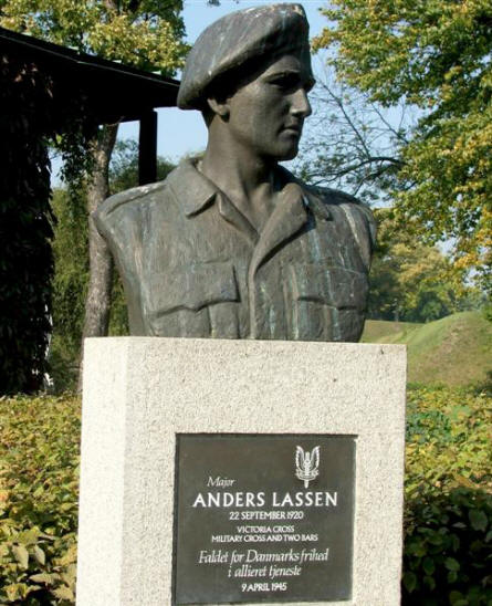 A bust in honour of Major Anders Lassen (Victory Cross) who fought with the British Special Boat Service during most of World War II.