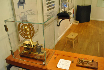 An early Morse code equipment displayed as a part of the science history collection at the Steno Museum in Aarhus.