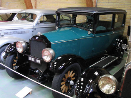 The cars at Jysk Automobile Museum are all restored to original condition - like this 1928 Buick.