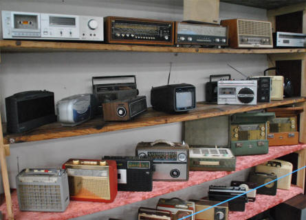 Some of the many classic radios displayed the the Hjallerup Mechanics Museum.