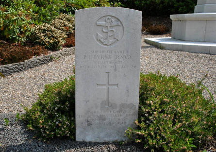The graves of Sub-Lieutenatn P. J. Byrne (Royal Navy - killed on the 10th of March 1943) at the Lemvig War Cemetery.
