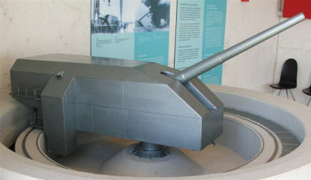 A model of one of the big guns from the Atlantic Wall bunker complex in Hanstholm.