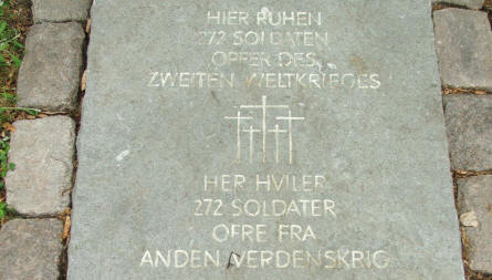 At the entrance to the German part of Fourfelt Military cemetery in Esbjerg this stone tells that 272 German soldiers are buried at this cemetery.