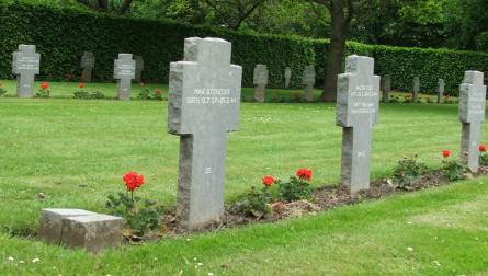 The German part of Fourfelt Military Cemetery in Esbjerg is a standard German military cemetery with black crosses.