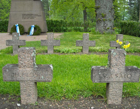 Some of the war graves at Hattula.