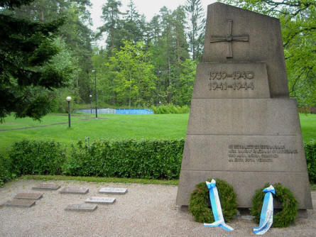 The memorial at Hattula. The memorial covers the wars in 1939-1940 and 1941-1944.
