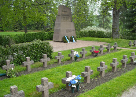 Some of the war graves and the memorial at Hattula.