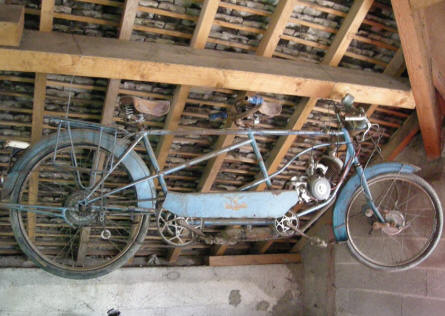 A special tandem motorcycle displayed at Château de Savigny-lès-Beaune.
