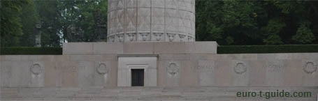 Montfaucon American Monument - World War I - Battlefield - Verdun - European Tourist Guide - euro-t-guide.com