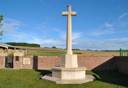 The Cross of Sacrifice at the Bonnay Communal Cemetery Extension.