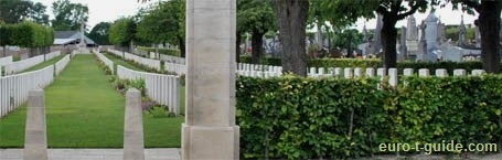 Daours Communal Cemetery Extension - Amiens - France - World War I - Memorial - European Tourist Guide - euro-t-guide.com