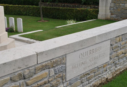 A name tag at the wall of the Querrieu British Cemetery.