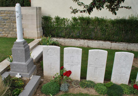 Some of the World War I graves the Querrieu British Cemetery.