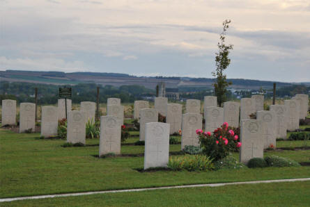 A small section of World War I war graves at the Villers-Bretonneux Military Cemetery (Amien).