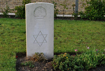 The World War I grave of Private A. Israel (killed on the 27th of July 1918) at the Villers-Bretonneux Military Cemetery (Amien).