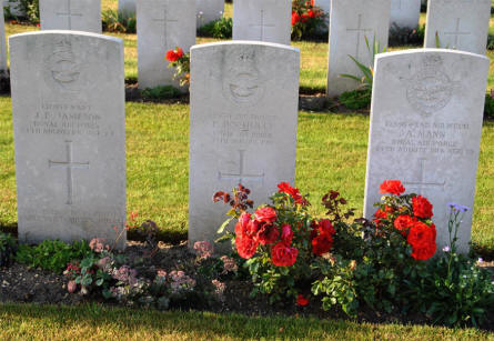 Some of the World War I Royal Air Force war graves at the Villers-Bretonneux Military Cemetery (Amien).