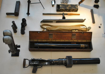 "A special World War I equipment displayed at the Museum of the Great War 1914-1918 in Péronne. The ""machine gun"" is not a machine gun, but an aircraft camera."