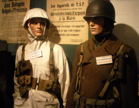 S World War II uniforms displayed at the Calais War Museum.