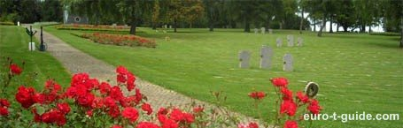 Noyers-Pont-Maugis German War Cemetery - Sedan - France - World War I & II - Memorial - European Tourist Guide - euro-t-guide.com