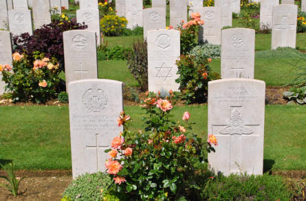 Some of the many World War I graves at the Faubourg-d'Amiens Cemetery in Arras.