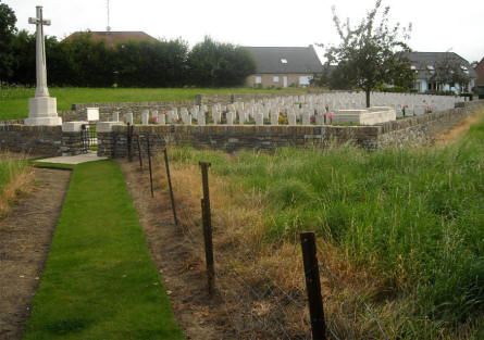 The St Nicolas British Cemetery near Arras is located in the town of St. Nicolas - just outside Arras. To reach the cemetery you need to use a small footpath thru a residential area.