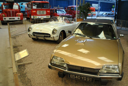 A classic 1980 Citroën CX Prestige displayed at the Automobile Museum Reims-Champagne.