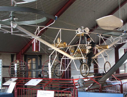 One of the early helicopter designs at the Helicopter Museum at Bückeburg.