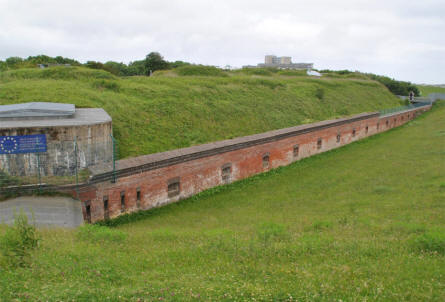 The outer wall surrounding Fort Kugelbake.