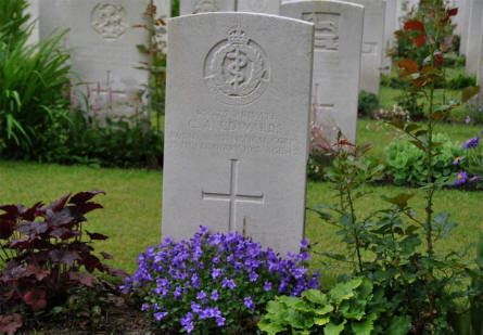 The World War I grave of Private C. A. Edwards at the Hamburg War Cemetery.