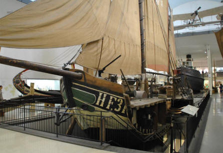 A sailing ship displayed at the Deutsches Museum München.