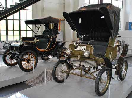 Two of the vintage automobiles displayed at the Deutsches Museum - Transport Collection - in München (Munich).