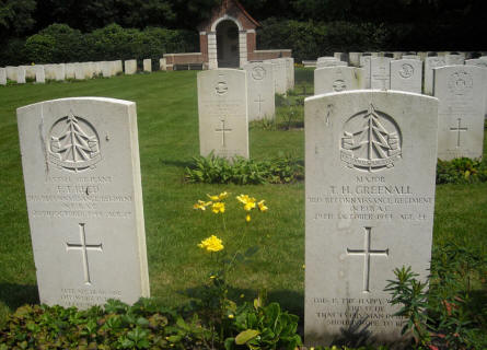 The grave of Major T.H. Greenall at the Overloon War Cemetery.