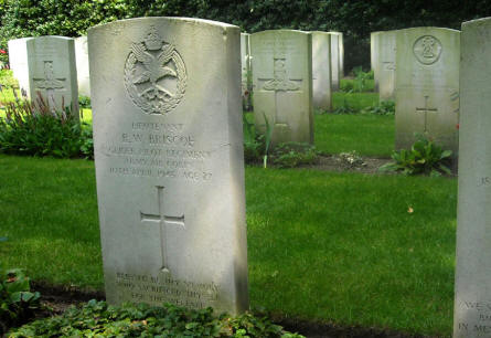 The grave of Lieutenant R.W. Briscoe - killed the 10th of April 1945 - at the Overloon War Cemetery.