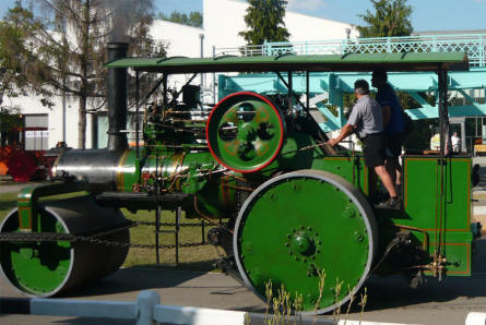 A vintage steamroller displayed at the Hungarian Road & Bridget Museum.