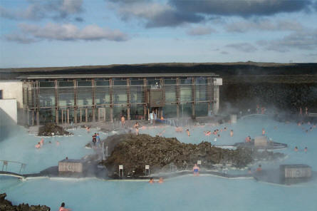 The main visitor's building of the Blue Lagoon. Here you can change before going into the water - and there is restaurant as well.