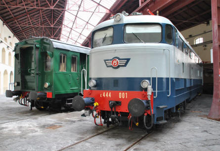 One of the classic diesel/electric locomotives displayed at the Pietrarsa National Railway Museum in Napoli.