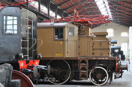 One of the many classic electric trains displayed at the Pietrarsa National Railway Museum in Napoli.
