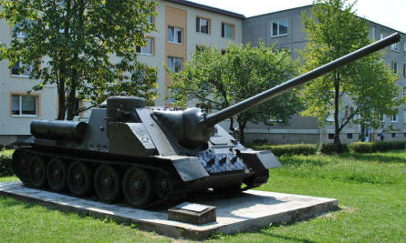 A Russian World War II SU-100 heavy tank displayed outside the Dukla Pass Museum.