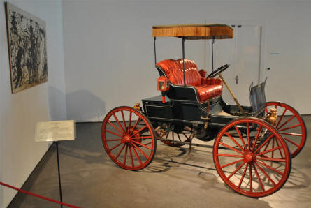 A 1898 Winner displayed at the Automobile Museum of Málaga.