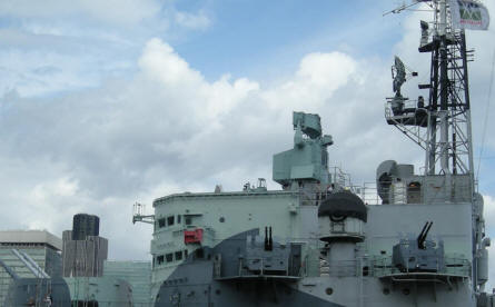 Radar, anti-aircraft guns and other details from HMS Belfast.