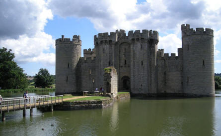 The entrance to the Bodiam Castle